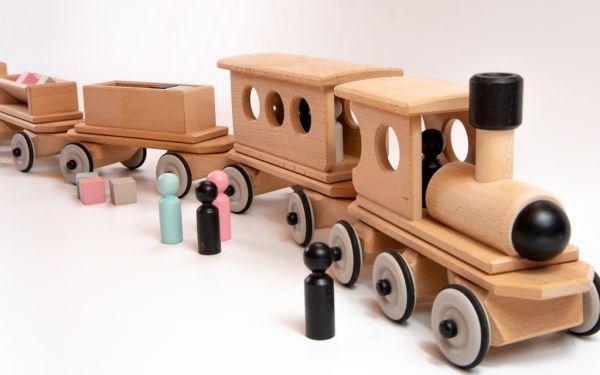 Lok mit Personenwagen und Tender